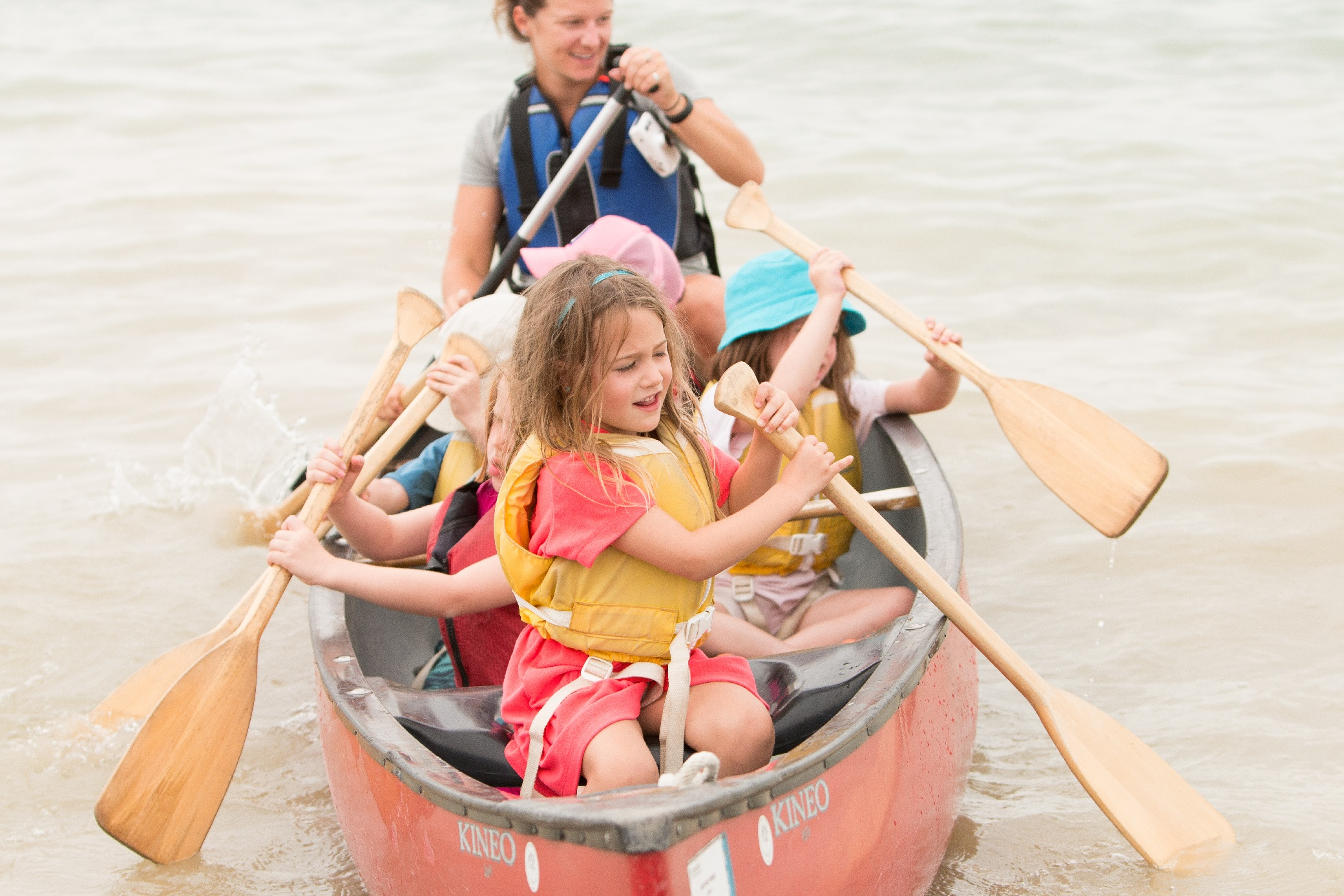 kids canoeing summer camp