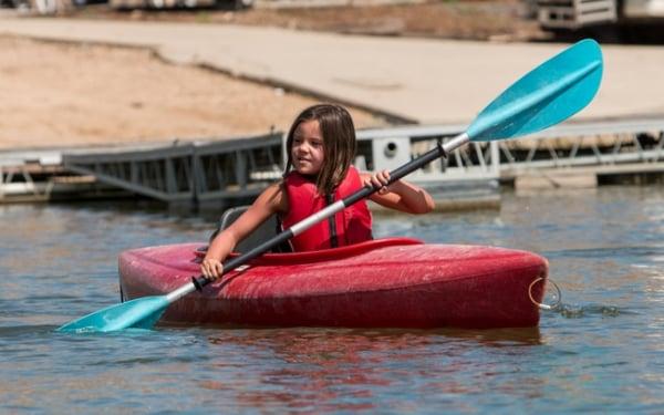 kayaking-skills-summer-camp-girl