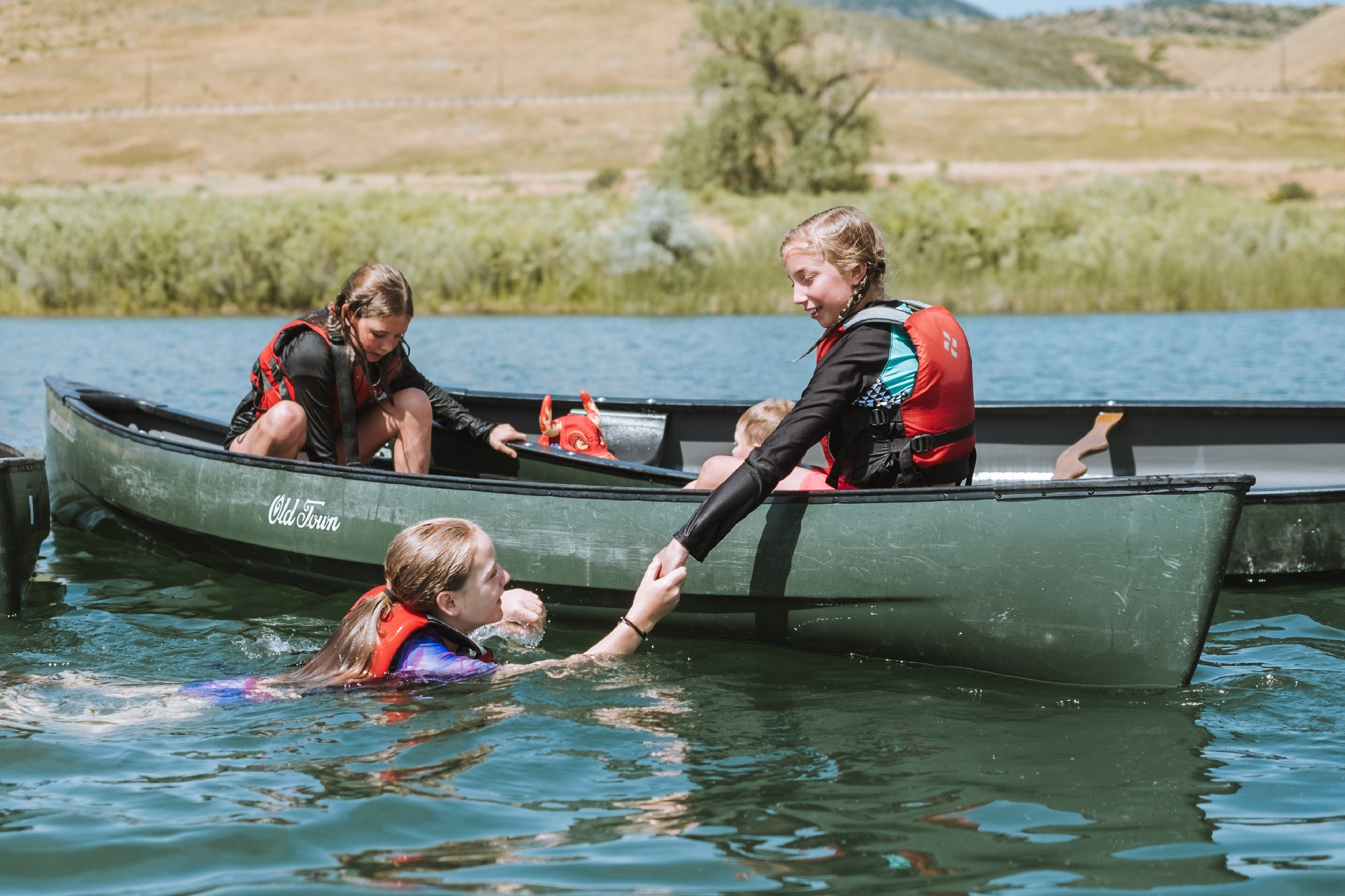 kids at the lake summer day camp in colorado